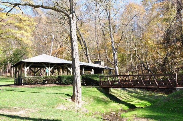 War Memorial Park Shelter and Bridge
